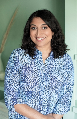 A photo portrait of Shelly Anand '08