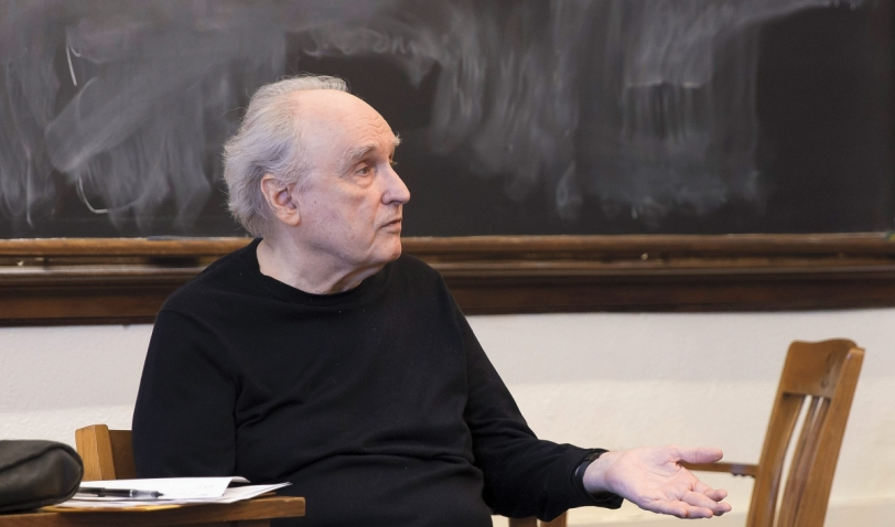 Professor Frank Bidart in the classroom.