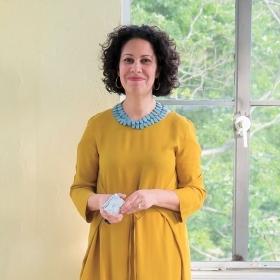 A photographic portrait of Rachael Arauz '91