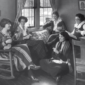 Students in Tower Court during the 1918–19 academic year