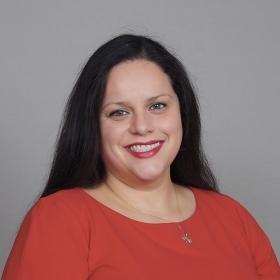 A photo portrait of Liany Arroyo '98